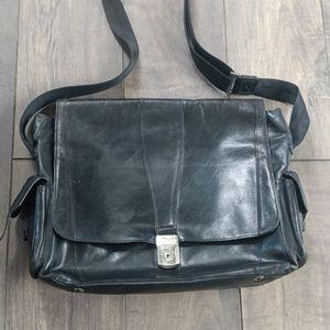 Vtg Bosca Italian leather business crossbody
